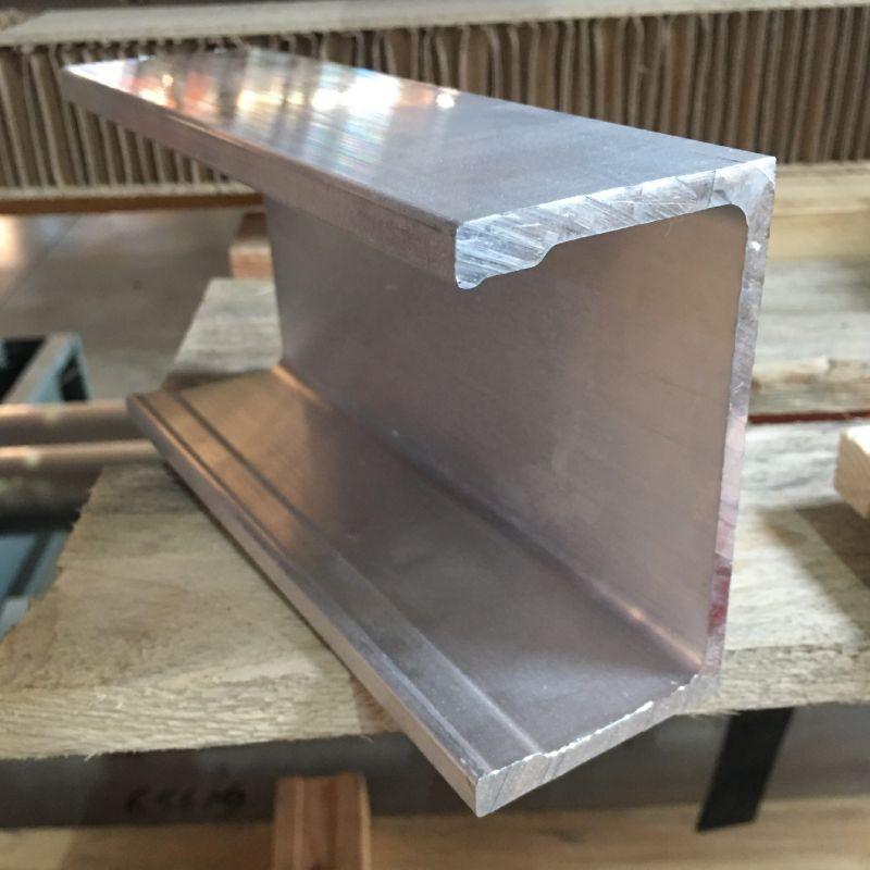 Lonjeron de 108 mm aluminiu lungime 4500 mm
